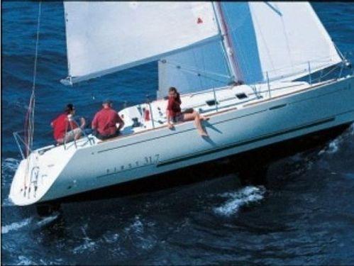 Sailboat Beneteau First 31.7 · 2004