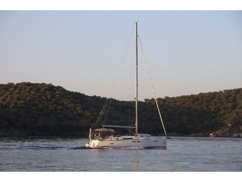 Sailboat Jeanneau Sun Odyssey 439 · 2015