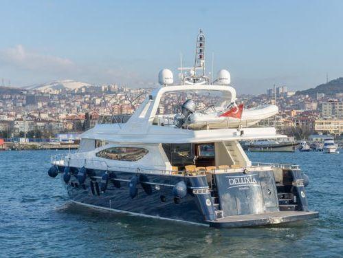 Imbarcazione a motore Custom Build Luxury · 2009