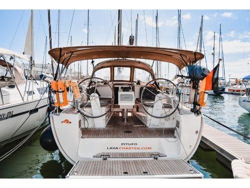 Sailboat Bavaria Cruiser 37 (2015)