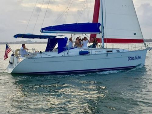 Sailboat Beneteau 40 · 2010