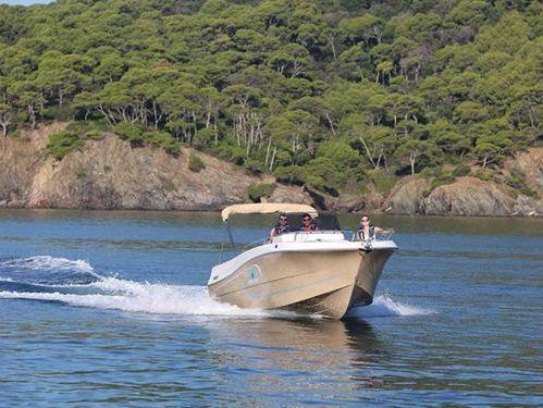 Speedboat Pacific Craft 750 Open · 2020