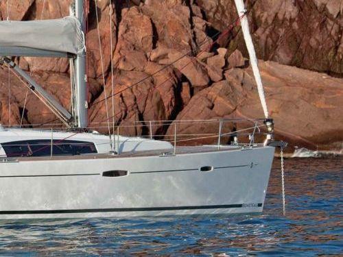 Sailboat Beneteau Oceanis 50 (2014)