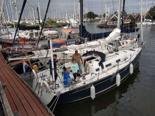 Sailboat Beneteau First 36.7 · 2002