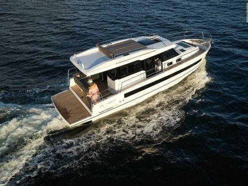 Motorboat Northman 1200 Elegance Flybridge · 2020