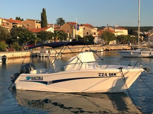 Imbarcazione a motore Elan 650 (2018)