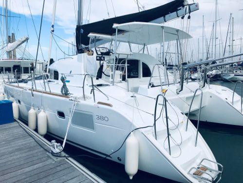 Catamaran Lagoon 380 S2 Premium (2019)