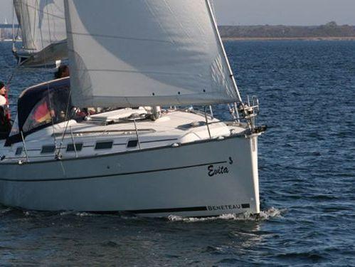 Sailboat Beneteau Cyclades 39 · 2008