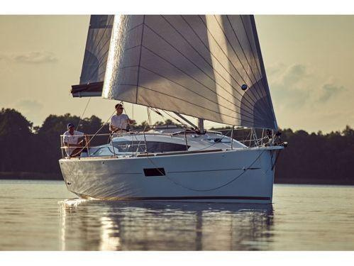 Sailboat Jeanneau Sun Odyssey 319 (2020)