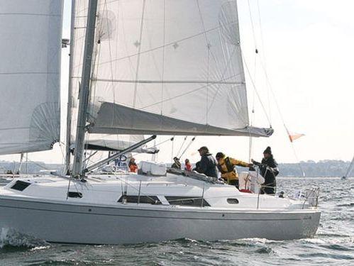 Sailboat Hanse 370 · 2009