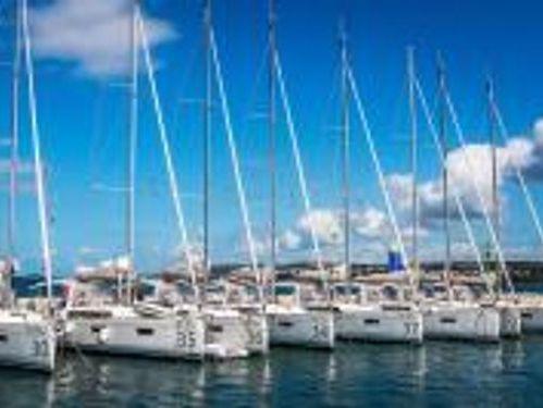 Barca a vela Beneteau Oceanis 38.1 · 2018