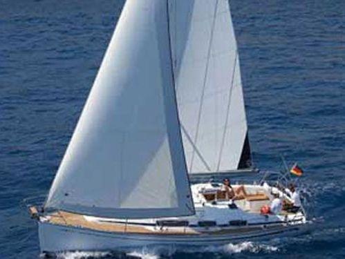 Sailboat Bavaria Cruiser 31 · 2008