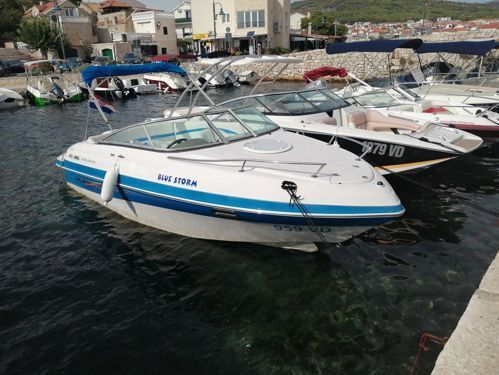 Speedboat Four Winns S 215 Sport Cab (2008)