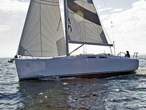 Barca a vela Dehler Varianta 37 · 2014