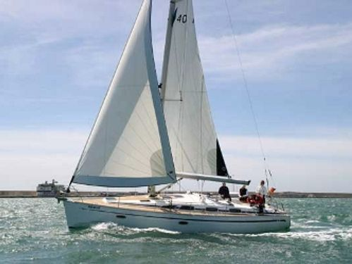 Sailboat Bavaria Cruiser 40 (2009)