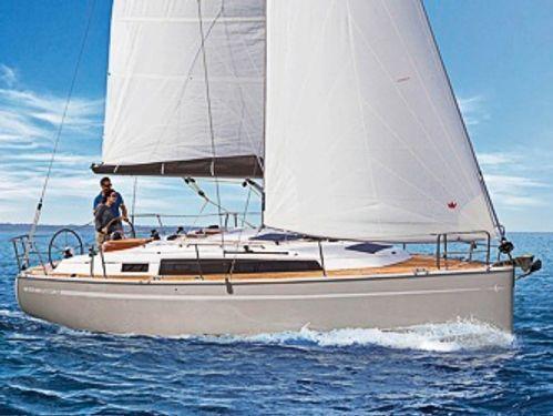 Sailboat Bavaria Cruiser 34 · 2018