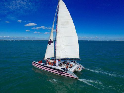 Barca a vela Custom Built (1991)