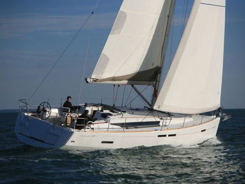 Sailboat Jeanneau Sun Odyssey 439 · 2012