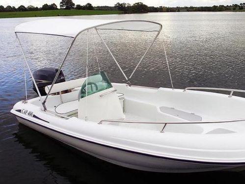 Speedboat Rigiflex Cap 400 · 2017