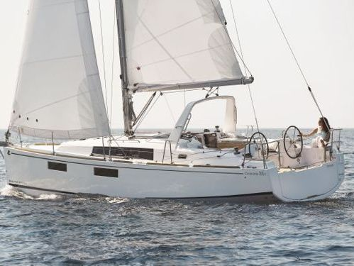 Sailboat Beneteau Oceanis 35.1 · 2019