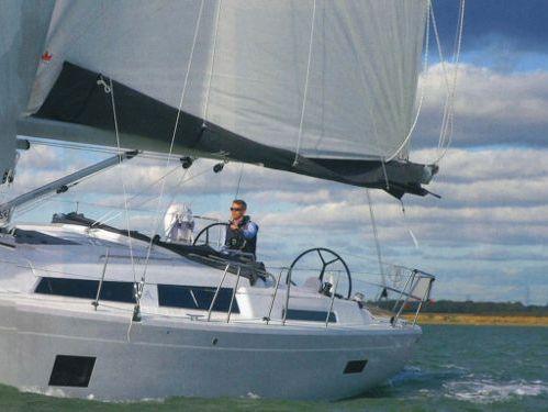 Sailboat Hanse 388 (2020)