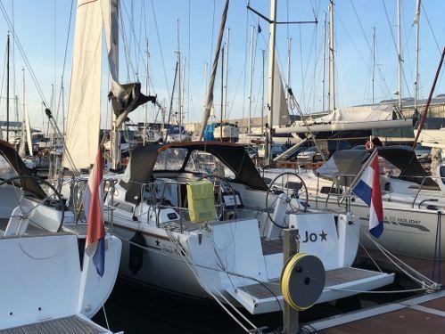 Sailboat Hanse 345 (2015)