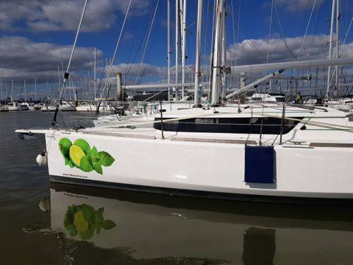 Barca a vela Mojito 888 · 2020