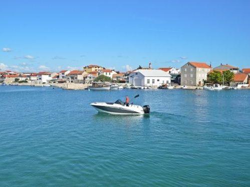Speedboat Galia 630 Sundeck (2017)