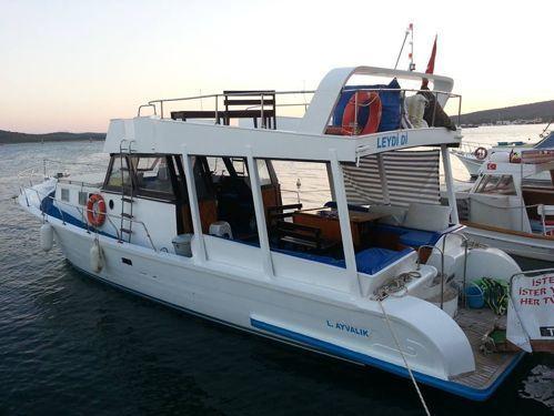 Imbarcazione a motore Custom Built (2000)
