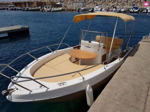 Motorboat Capelli Cap 20 · 2008