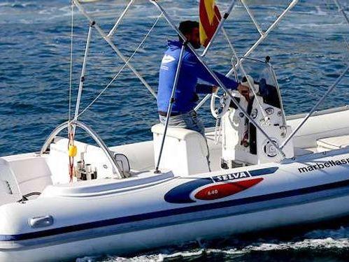 Imbarcazione a motore Jungle D640 (2009)