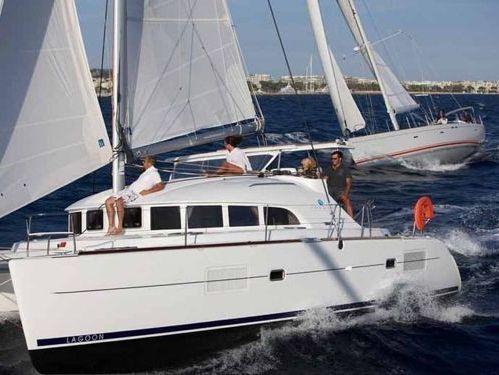 Catamaran Lagoon 380 · 2015