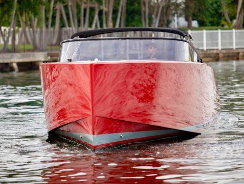 Motorboot VanDutch 40 (2015)
