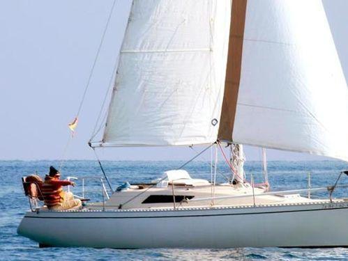 Sailboat Beneteau First 285 · 2003