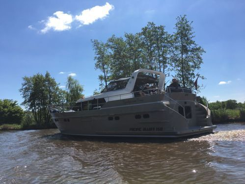 Houseboat Pacific Allure 150 · 2000