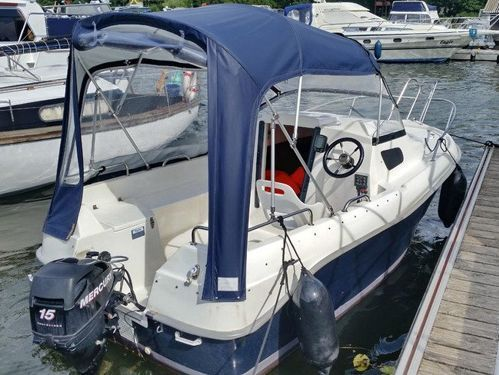 Motorboat Quicksilver 450 Cabin · 2014