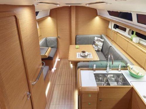 Segelboot Jeanneau Sun Odyssey 419 · 2019