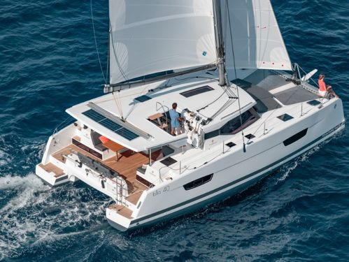 Catamaran Fountaine Pajot 40 · 2021