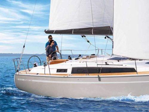 Sailboat Bavaria 34 · 2015