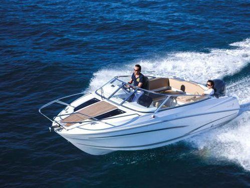 Motorboat Cap Camarat 650 DC · 2015