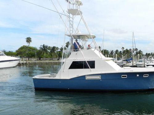 Imbarcazione a motore Hatteras 45 (1986)