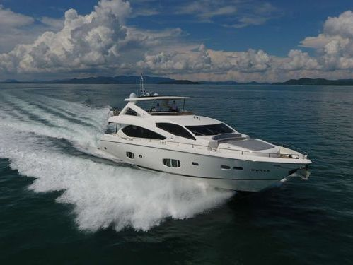 Motorboat Sunseeker 86 · 2009