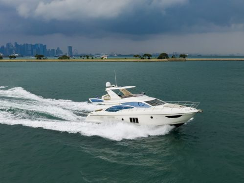 Motorboat Azimut 58 · 2011