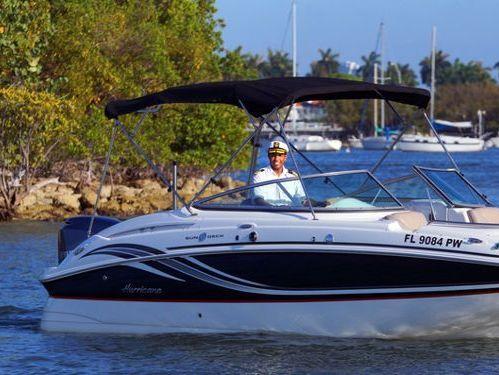 Speedboat Hurricane 24 · 2017