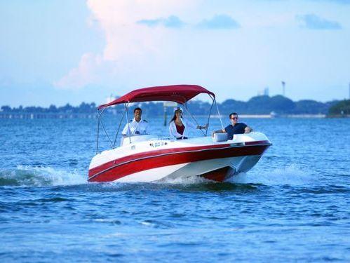 Speedboat Hurricane 26 · 2016