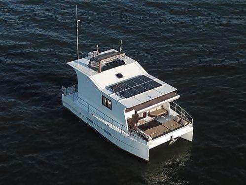 Catamarán Custom Built · 2019