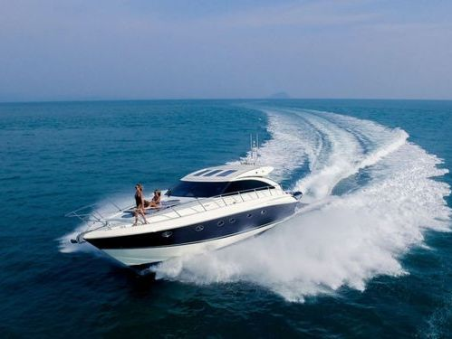 Motorboat Princess V58 · 2010