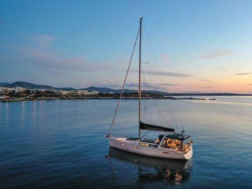 Sailboat Beneteau Oceanis 45 · 2018