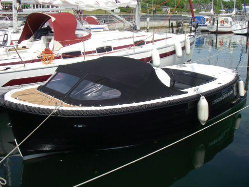 Speedboat Corsiva 690 Tender · 2012