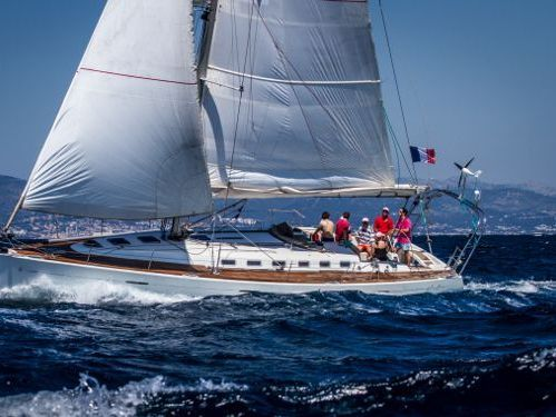 Sailboat Beneteau First 47.7 · 2015